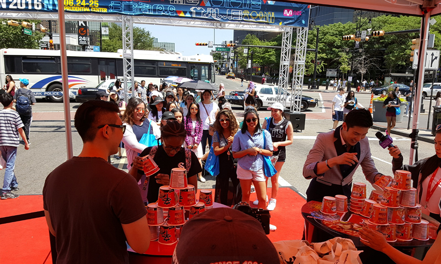 Photo of people stacking Shin Ramyun Cups